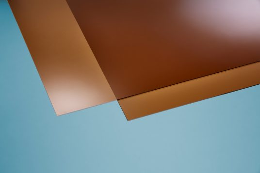 Polystyrene glass, smooth, clear, 2,5 mm bronze