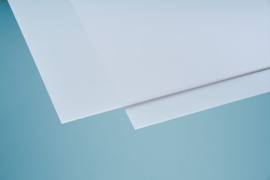 Polystyrene glass, smooth, 5 mm clear, opal white
