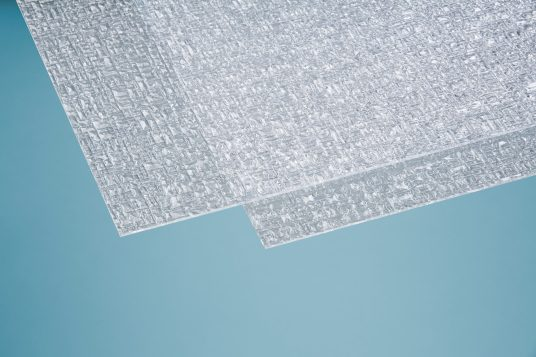 Polystyrene glass, pyramide, 5 mm clear