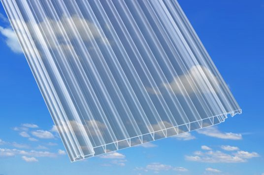 Polycarbonate multi-wall panels clear