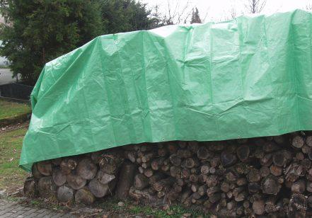 Abdeckplane Holzstapel