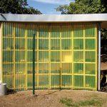 Wandverkleidung mit Polyester Lichtwellbahnen