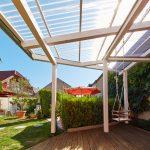 Terrassendach mit Acryl Wellplatten Wabe klar